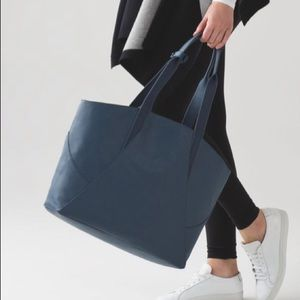 Lululemon All Day Tote In Astro Blue